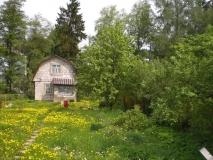 СНТ, зем. уч-к 5 сот.,пустой в дер. Курилово, Подольский р-н, по Варшавскому шоссе, 29 км от МКАД, старое садовое товарищество, недалеко пруд, огорожен, шлакоблочный дом 2-х этажный 5,5х5м,40 кв.м